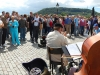 charles-bridge-musicians-and-crowd