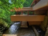 falling-water-house-exterior
