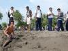 poneloya-beach-kids-posing-no-hand-gesture