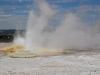 yellowstone-small-geyser-bursts-2