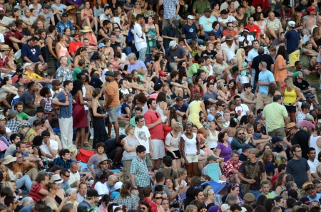 artscapes-2011s-big-crowd-well-fargo-main-stage
