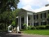 memphis-graceland-front-of-mansion