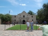 san-antonio-alamo-with-picture-taking